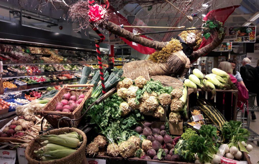 Vihannesosasto norjalaisessa ruokakaupassa