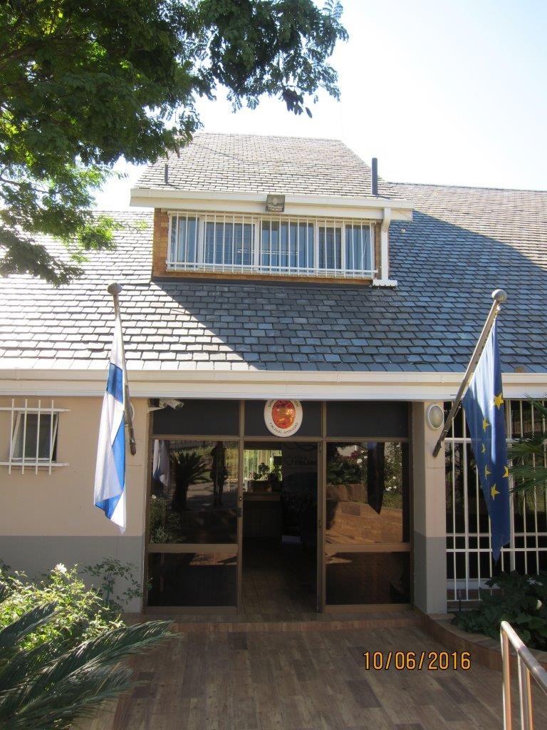 Suomen suurlähetystö Pretoriassa toivottaa sinut tervetulleeksi. Kuva: Jodie-Lee Julyan