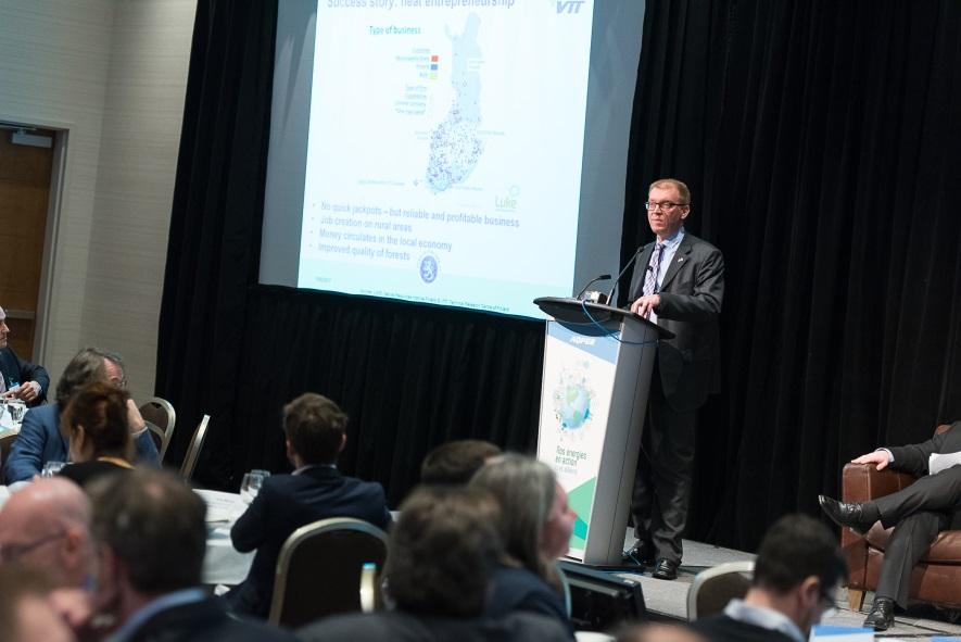 Our Energies in Action –seminaari Québec Cityssa helmikuussa 2017. Aiheena Suomen strategiset tavoitteet uusiutuville polttoaineille ja suomalainen lämpöenergiayrittäjyys. (kuva: Samuel Tessier, Quebec)