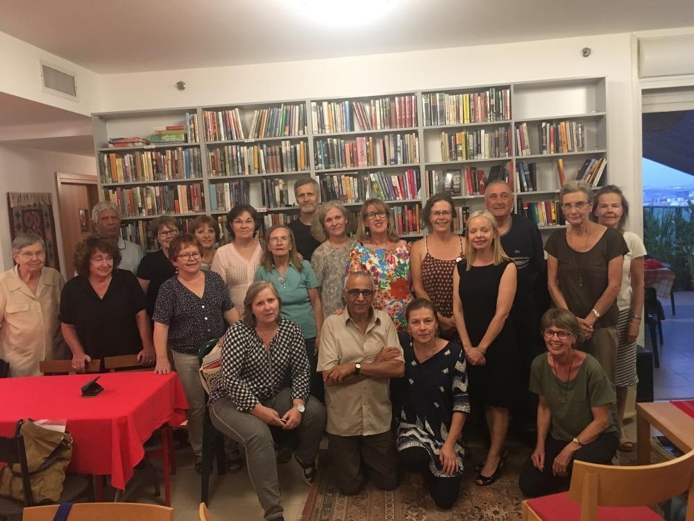 Kirjastossa vierailee runsas joukko suomalaisia ja Suomen ystäviä kuukausittain. Kuva: Rasmus Salminen