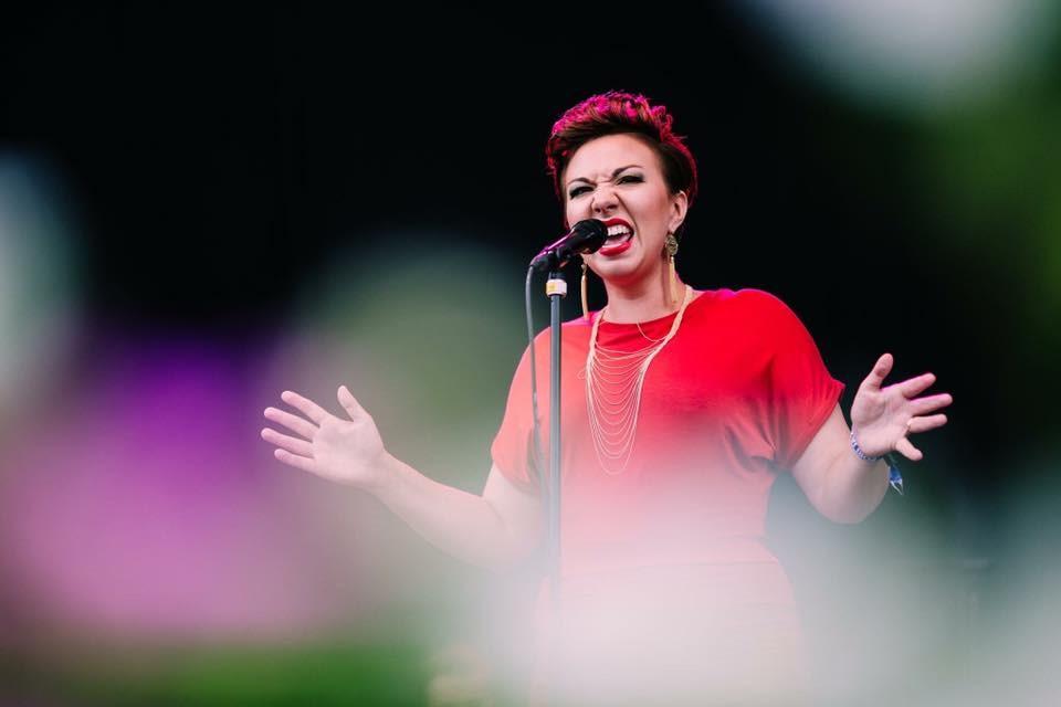 Nina Mya. Finsk jazz sångerska, kompositör och pedagog med Sibelius Akademin som bakgrund. Bild: Tanu Kallio