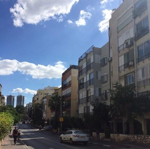 Tel Avivin asuinrakennuksia. Kuva: Lilli Sulander.