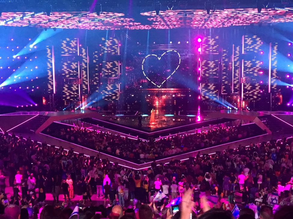 Euroviisulavan säihkettä. Kuva: Suomen suurlähetystö Tel Avivissa