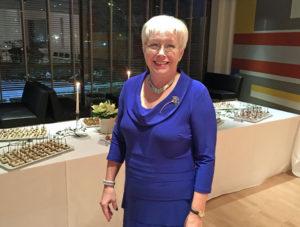 Ambassadens socialråd Anne Eriksson tackar för sig och går i pension vid årsskiftet.