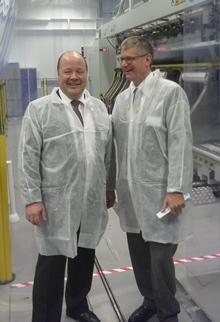 Hallituksen puheenjohtaja Mikael Ahlbäck ja Borealiksen toimitusjohtaja Mark Garrett Borealikselta, Kuva: SL Bratislava