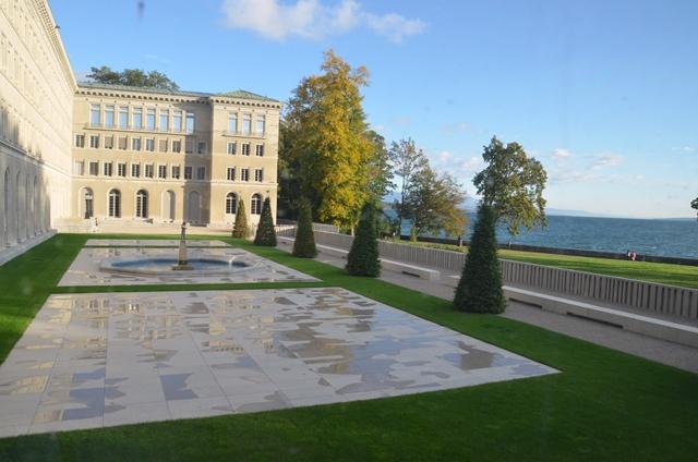 Kuvassa WTO:n päärakennus Geneve-järven rannalla, joka toimi ensimmäiset vuosikymmenensä kansainvälisen työjärjestö ILO:n päämajana. Kuva: WTO