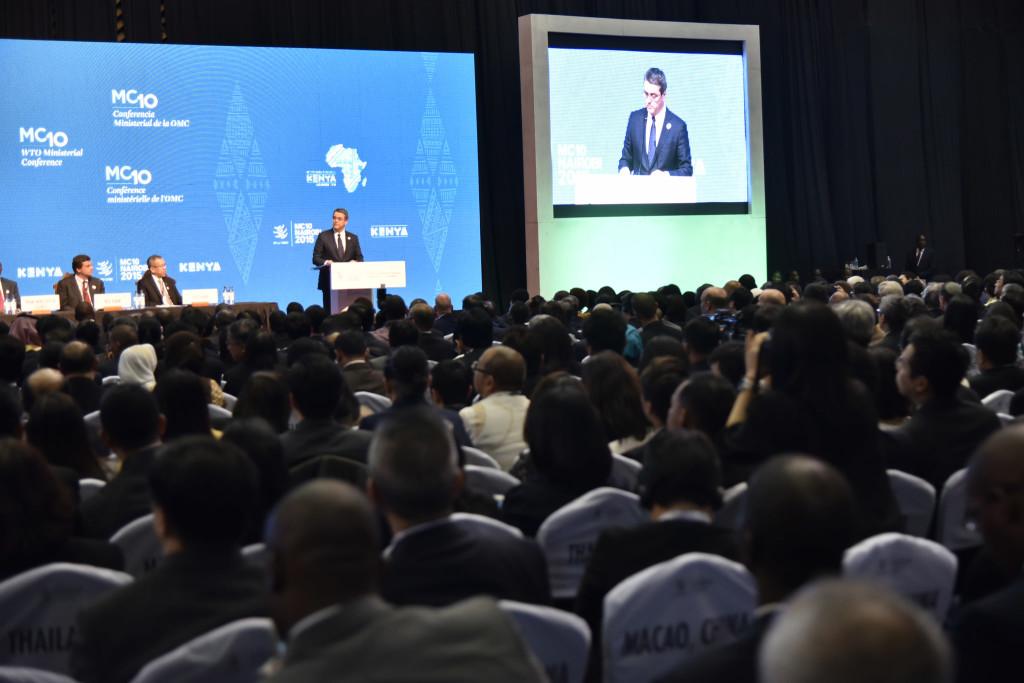 Nairobin WTO-ministerikokouksen avajaispäivä. Puheenvuorossa järjestön puheenjohtaja Roberto Azevedo. Kuva: WTO