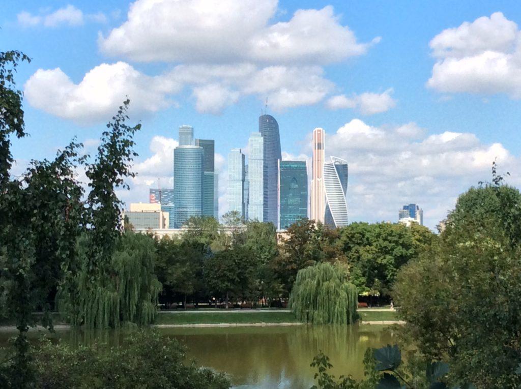 Talouskriisin myötä Moscow Cityssä on paljon vapaata toimistotilaa. Kuva: Joonas Heiskanen
