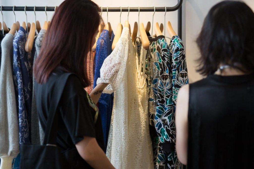 Finpron kasvuohjelma toi 10 muotoiluyritystä PMQ-nimiseen luovien alojen keskukseen. Kuva: Match Showroom