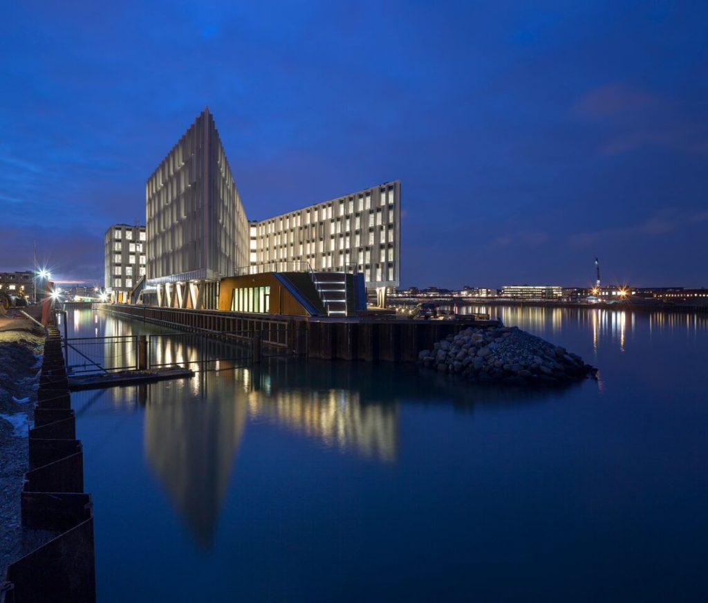 Kööpenhaminan moderni ja ympäristöystävällinen YK-rakennus. Kuva: Adam Mørk