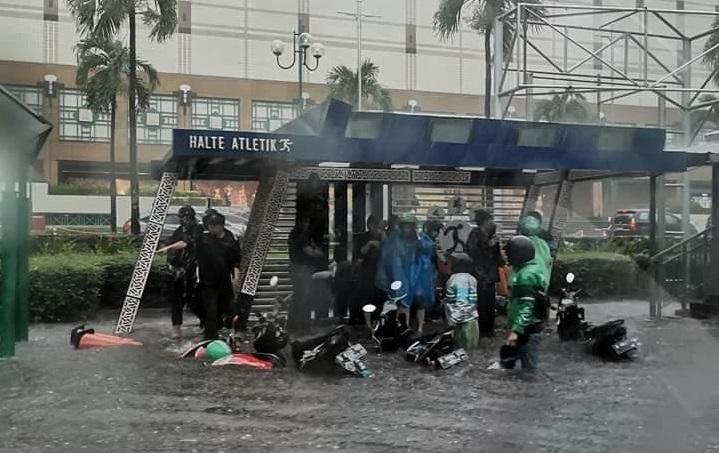 Tulva Indonesian pääkaupungissa Jakartassa.
