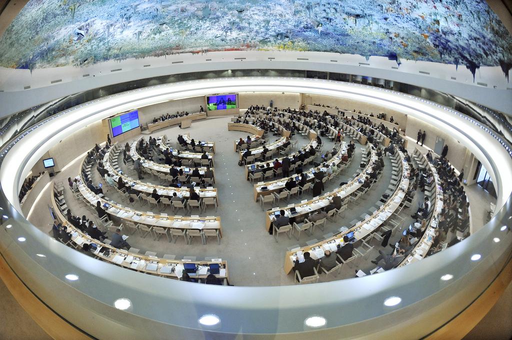 YK:n ihmisoikeusneuvosto kokoontuu Genevessä. Kuva: UN Photo